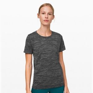 Lululemon Workout Short Sleeve T Shirt